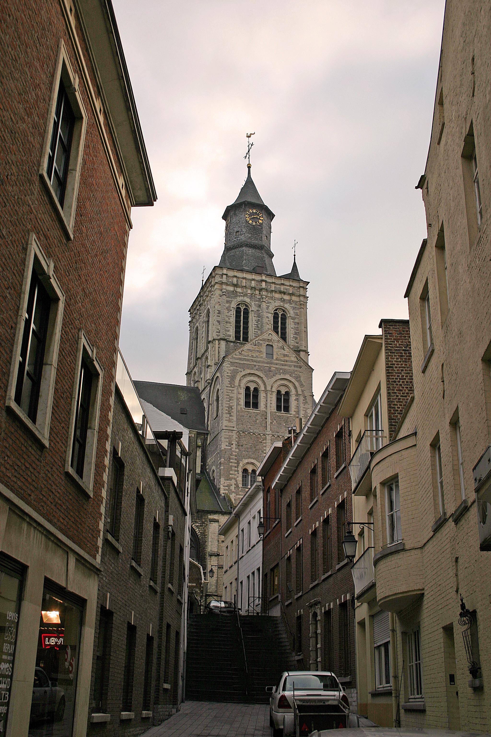 De Sint-Germanuskerk te Tienen. (Afbeelding: E. Kempeneers/Wikimedia Commons)